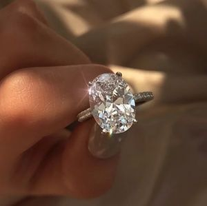 🔥JUST🔥 IN 3.5CT SIMULATED DIAMOND ENGAGEMENT RIN